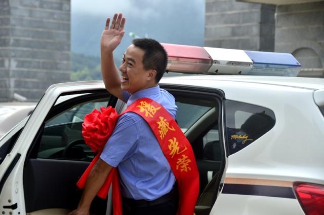 「点赞」广西一援藏检察官勇救落水女子