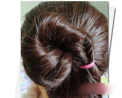 2款2017年女士秋冬流行发型的扎发方法!