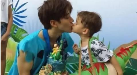 为他的小迷妹 泰国男星Mike太神了图片