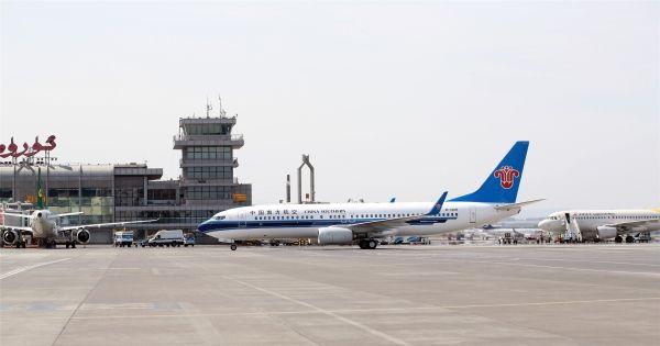 8月6日,南航新疆分公司737-800型飞机首飞喀纳斯,有效缓解了乌鲁木齐