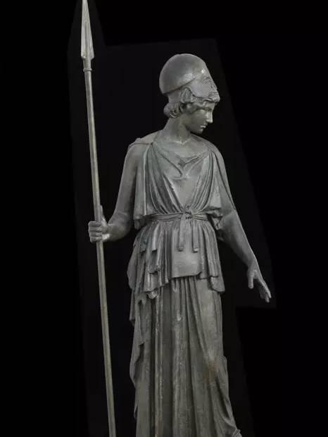 而号称最有智慧的女神雅典娜