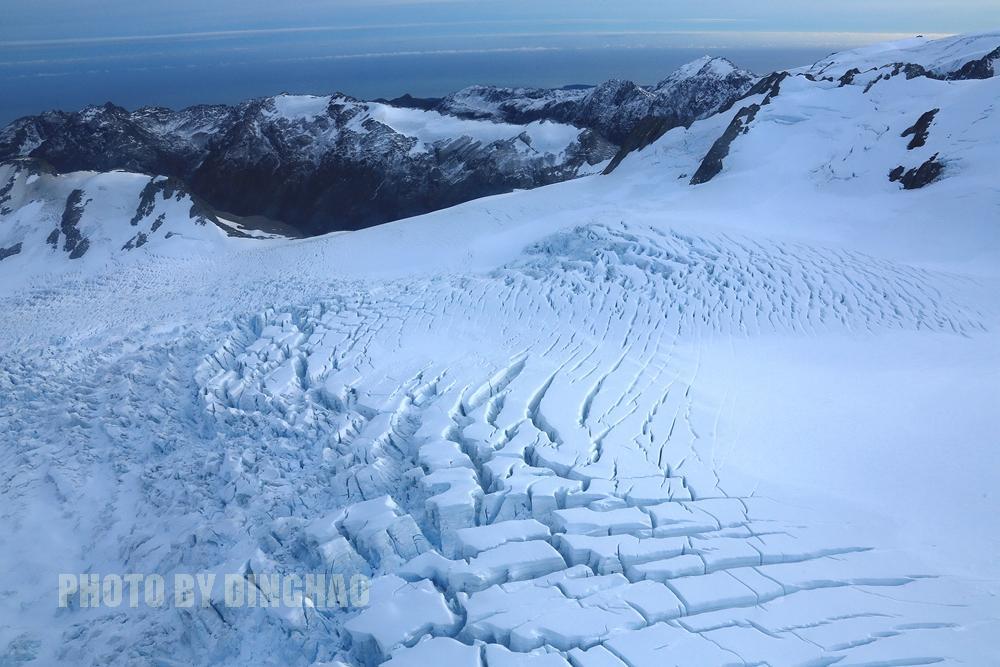在最纯静的海岛遥望雪山俯观冰川