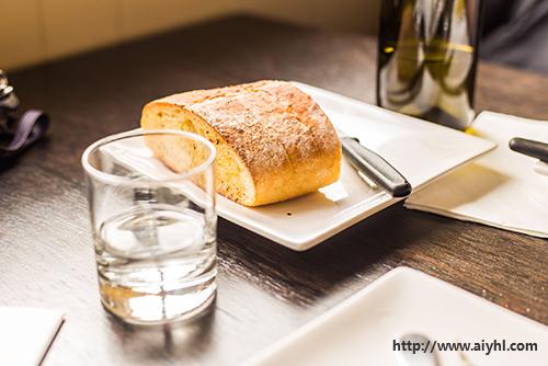 C:UsersAdministratorDesktopapp-女人不要面包却选择了它1app-女人不要面包却选择了它ml0001-2789mi.jpg