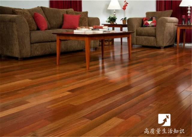 不易滑倒 瓷砖优于木地板的三个方面 瓷砖是一种地面装饰材料,也叫