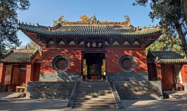 郑州美景  少林寺  嵩山是中华文明的重要发源地,也是中国名胜风景区