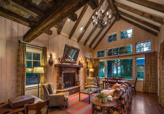 林中奢华木屋由回收的木材打造而成,172平卖2千多万