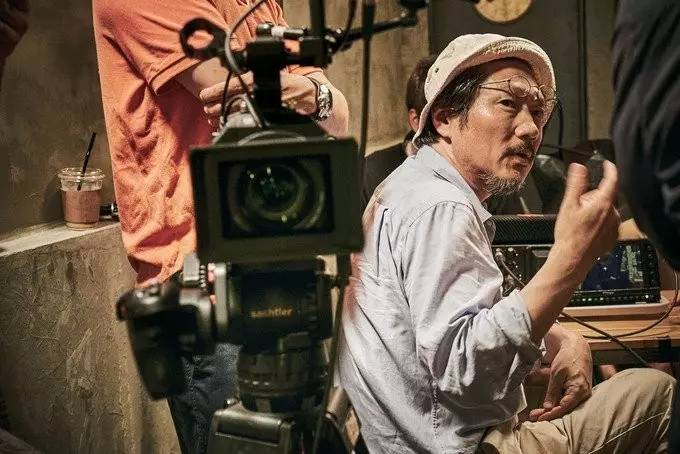 韩国电影洪尚秀绝对算一个.只不过,他的电影和视觉重合.yy4080新现实导演伦图片