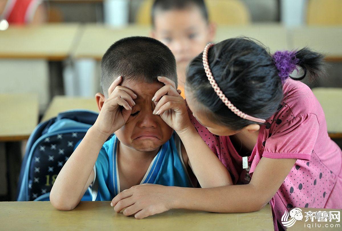 上学第一天!被熊表情开心实力萌一脸,动态孩子包开学可爱表情0图片