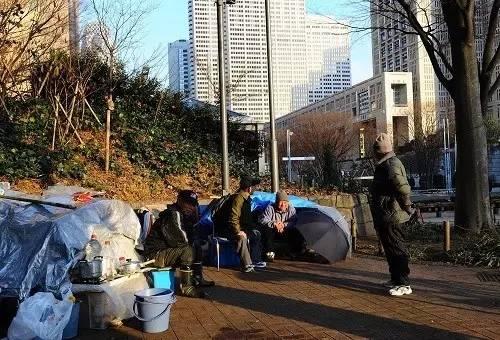1992年日本经济泡沫_...泡沫经济学 当时日本房地产泡沫已经崩盘,但后果还未完全...