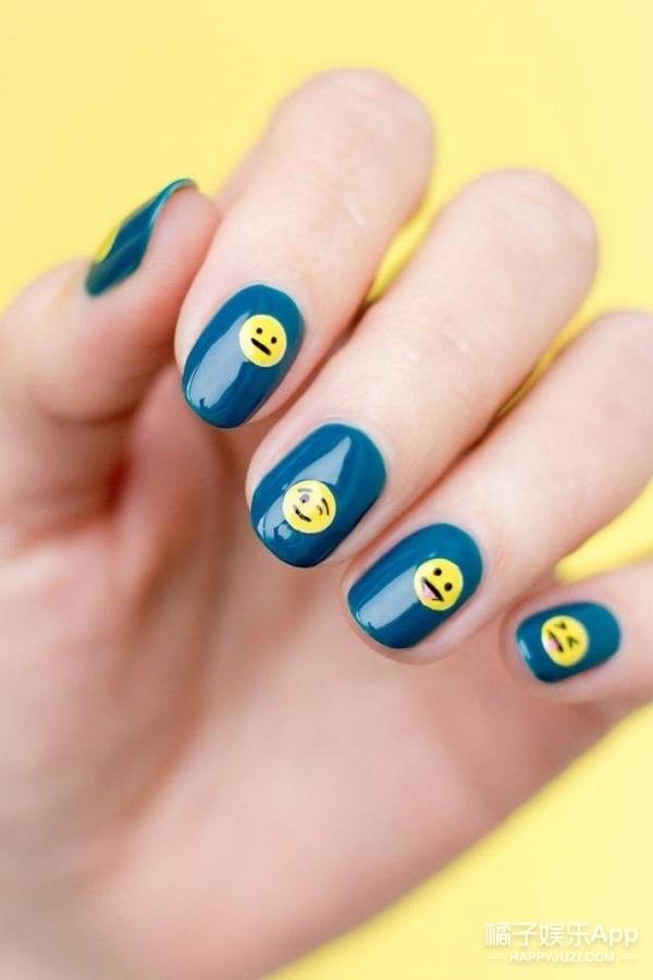 不知道大家有没有试过把天气符号放到指甲上没?也同样可以表达自己的心情哦~~你是喜欢晴天、阴天、还是雨天呢?