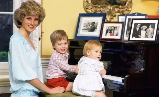 戴安娜:世人眼里她是不朽的传奇,孩子眼里她只是最爱的母亲_|_晚安故事