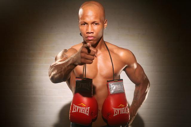 黑人拳王无力支付抚养费被判入狱,曾获泰森力挺击倒梅威瑟