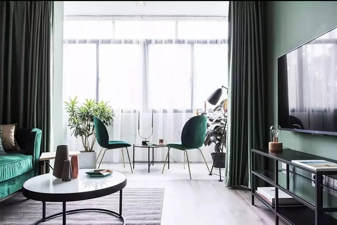 客厅阳台连一起,窗帘挂哪里?