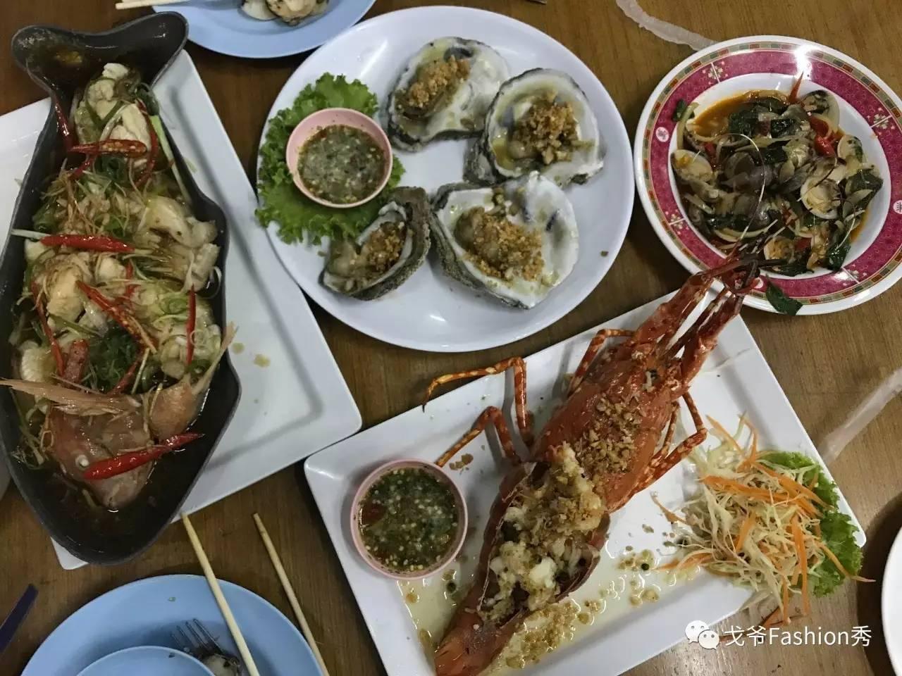 通过大众点评,选择了苏梅岛最大海鲜市场,味道不错