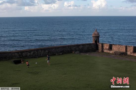 """當地時間2017年9月4日,波多黎各聖胡安,颶風""""厄瑪""""正接近加勒比海和美國南部地區。"""
