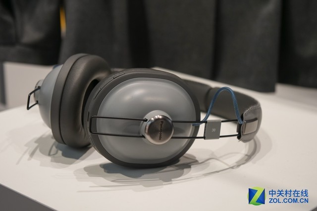 头戴式蓝牙耳机-满满的时尚家居风 IFA松下音频产品抢眼