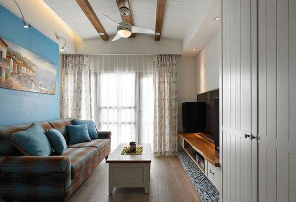 新中式风格装中式风格的设计要素: 在中式装饰风格的住宅中,空间装饰多采用简洁、硬朗的直线条,有些家庭还会采用具有西方工业设计色彩的板式家具与中式风格的家具搭配使用。