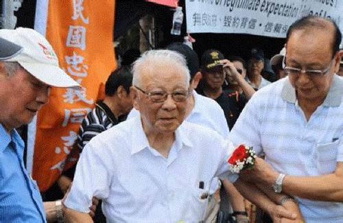 """亚虎娱乐-_公开表示""""不再反共""""的台湾退役上将遭绿营围攻"""