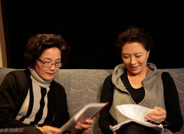 新闻客户端  婚后刘佳与丈夫相敬如宾,一起相持共进.图片