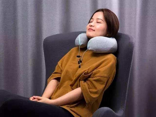 能卷卷卷卷卷起来的眼罩和颈枕,在哪都可以睡