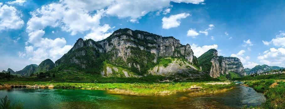 湄江处处风景,处处似画,十里画廊就是最好的证明,一步一景,延绵近十里