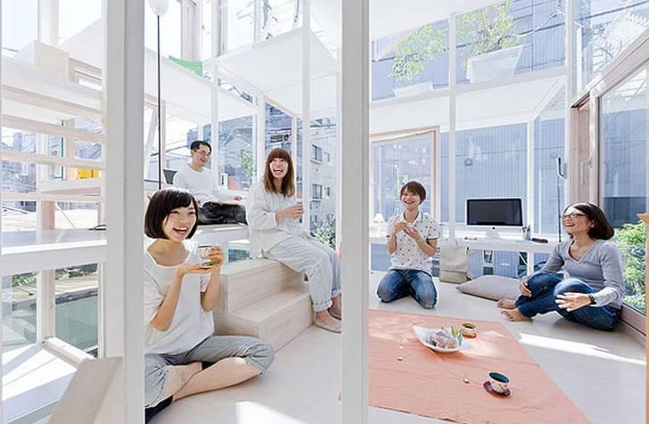 东京街头竟出现全透明房子,干什么事都被人看