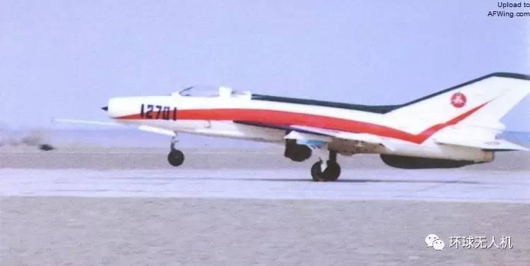 战斗机--盘点:飞机驾驶舱里咋没有飞行员?原是被改装成了无人机