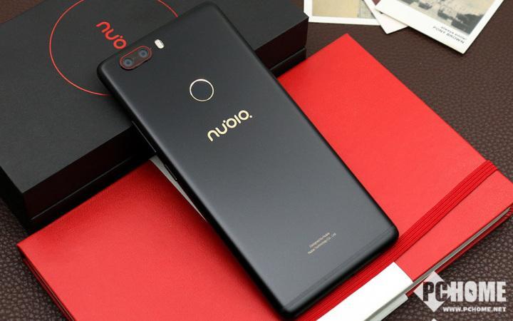 无边框配招牌相机 努比亚Z17畅享版评测