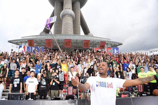 "www.yl0791.com点击进入NBA的中国""夏日狂欢""玩得炉火纯青,CBA也该学"
