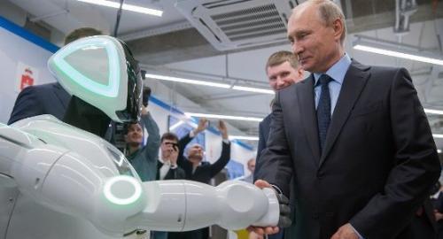 """""""逃跑机器人""""和普京握手"""