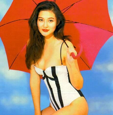 之后一年,陈宝莲成名高产,更凭借《灯草和尚》一夜相当.视频流女屎图片