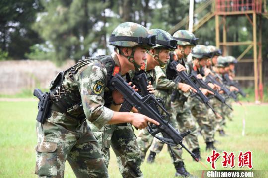 武警部队训练一些什么图片