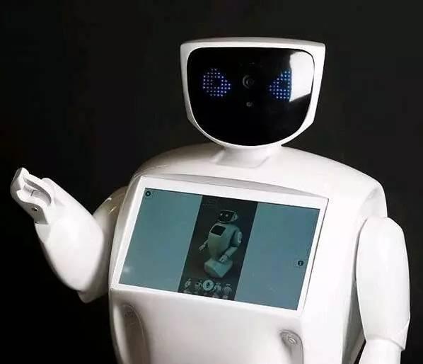 俄罗斯机器人因多次逃跑还救了人成为了网红最后居然还见了普京!