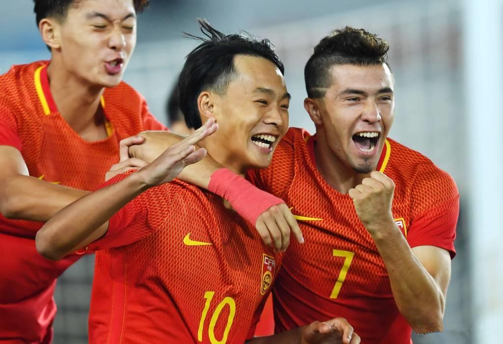 中国门将扬威葡萄牙!新疆兄弟撑起国足未来,皇马尤文看中一天才