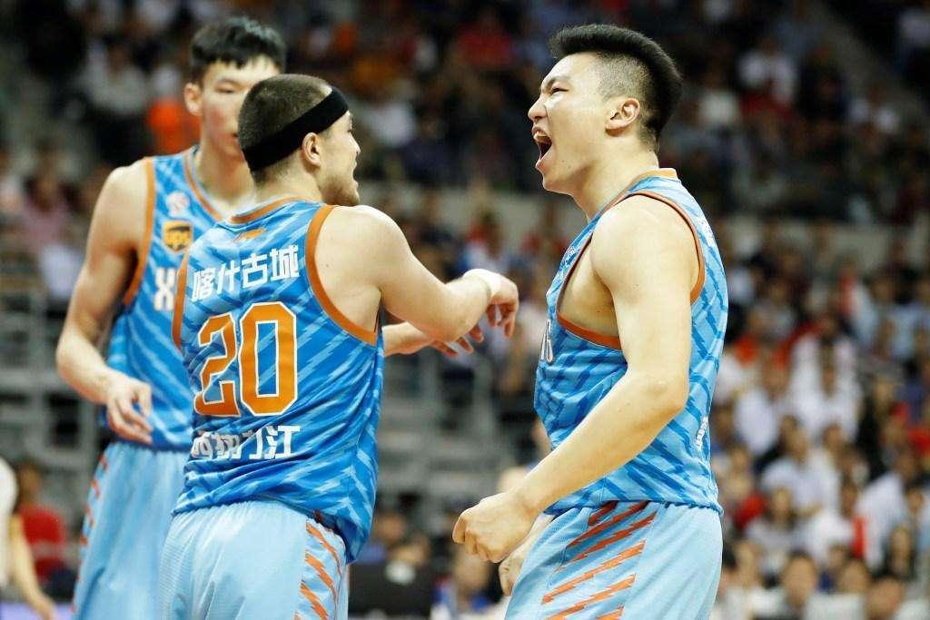 新疆亚冠让3猛将仍上演53分吊打 半节搞定对手他们胜在哪?