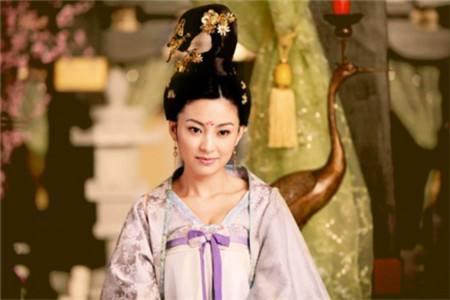 安乐公主�9c��f_710年7月21日,李隆基发动唐隆之变,禁军官兵攻入宫中,安乐公主李裹儿