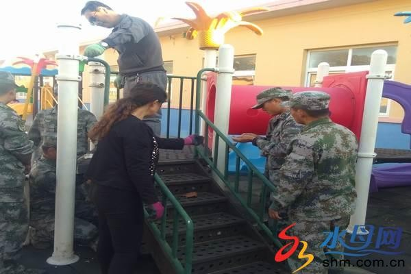 长岛县大钦岛乡驻岛部队 向地方中心幼儿园捐赠玩具等