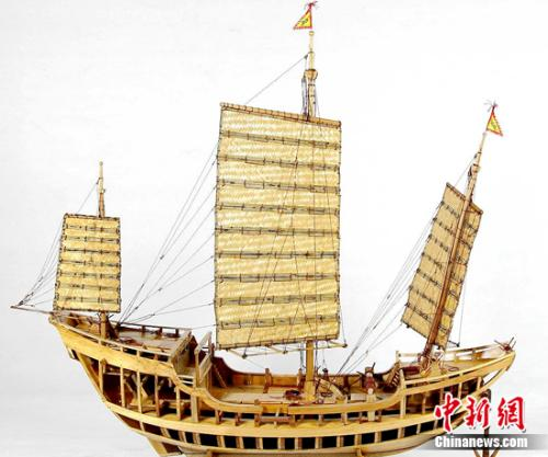 首届中式木帆船模型展评大赛在上海举行图片
