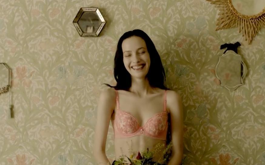 笑容超美的美女小姐姐!日本内衣广告系列!