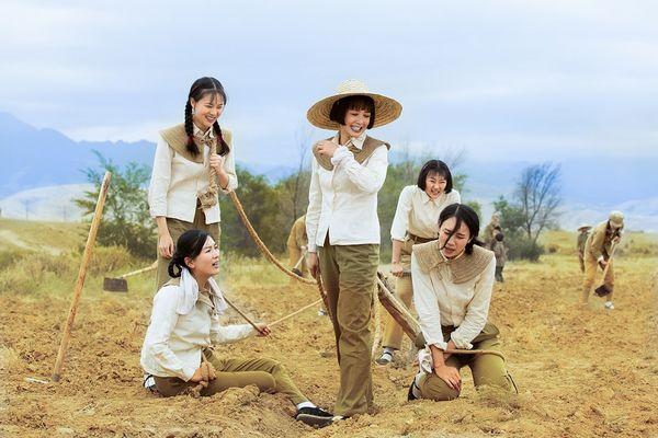 《花儿与远方》开播 弘扬军垦精神创造时代奇迹