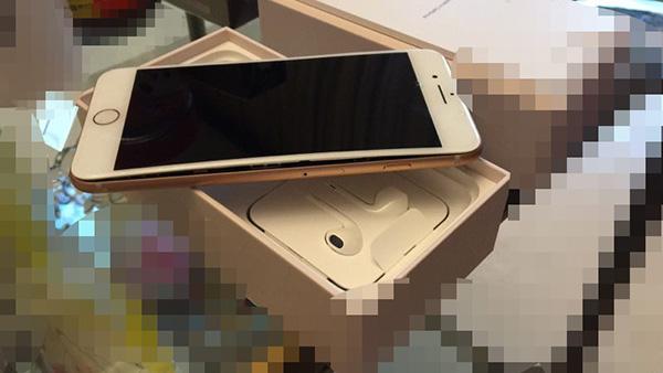 苹果8内地首爆裂