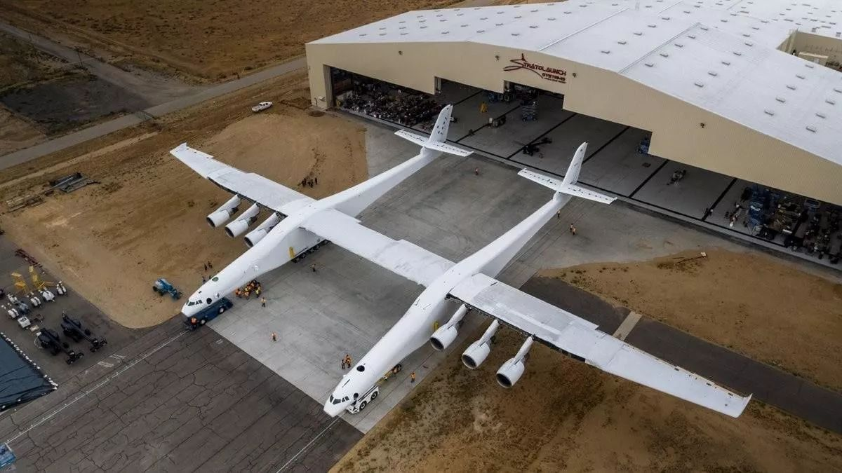 又搞事情!马斯克造了一架史上最大飞机,还要在万米高空发射火箭