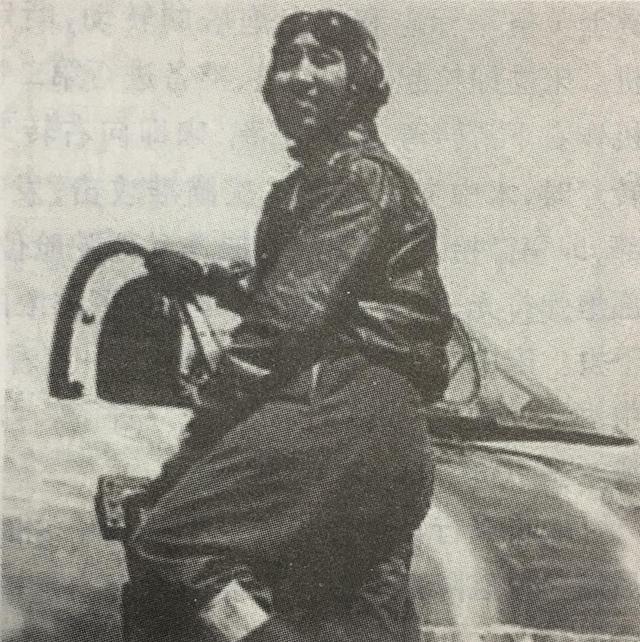 美女爱英雄:越剧名伶与人民空军王牌飞行员的情缘