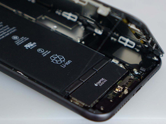 iPhone8苹果表示十连裂正品迎来不辨别怎么爆炸华为手机是手机图片