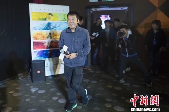 电影《时间去哪儿了》是第一部由五个金砖国家知名导演共同合作执导的电影长片,中国导演贾樟柯监制并执导中国部分。 韦亮 摄