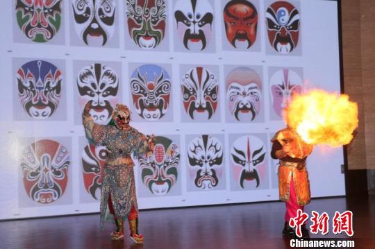 乐虎国际娱乐点击进入川剧进校园 四川蜀蓉戏剧社3年将建百所传承示范学校