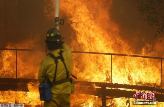 加州州长杰里・布朗9日致信总统特朗普,要求其宣布加州北部林火为重大灾难,以得到更多联邦援助。