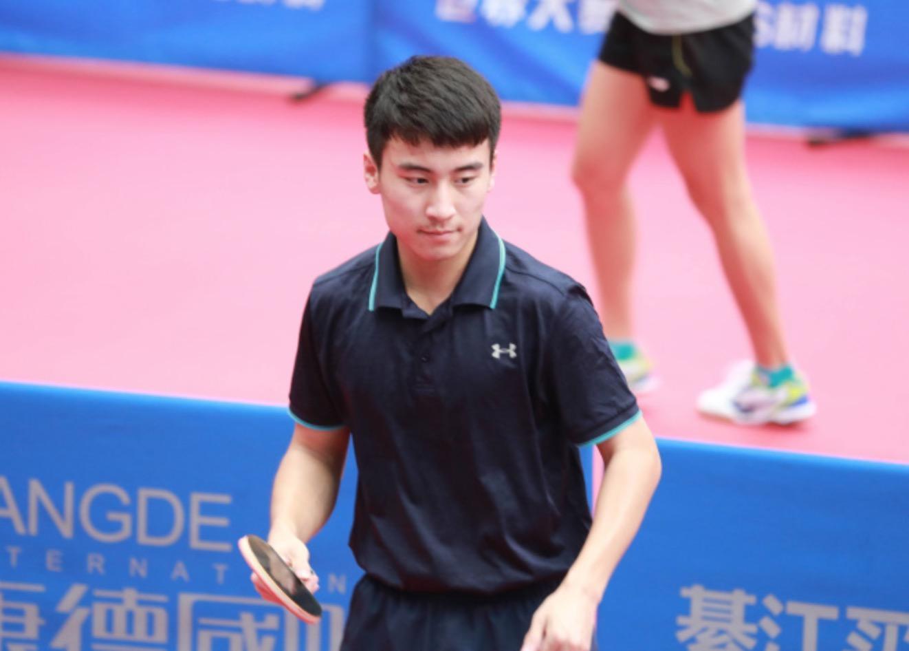 国乒15岁天才横空出世杀入一队 痛击日本华裔神童勇夺亚洲冠军