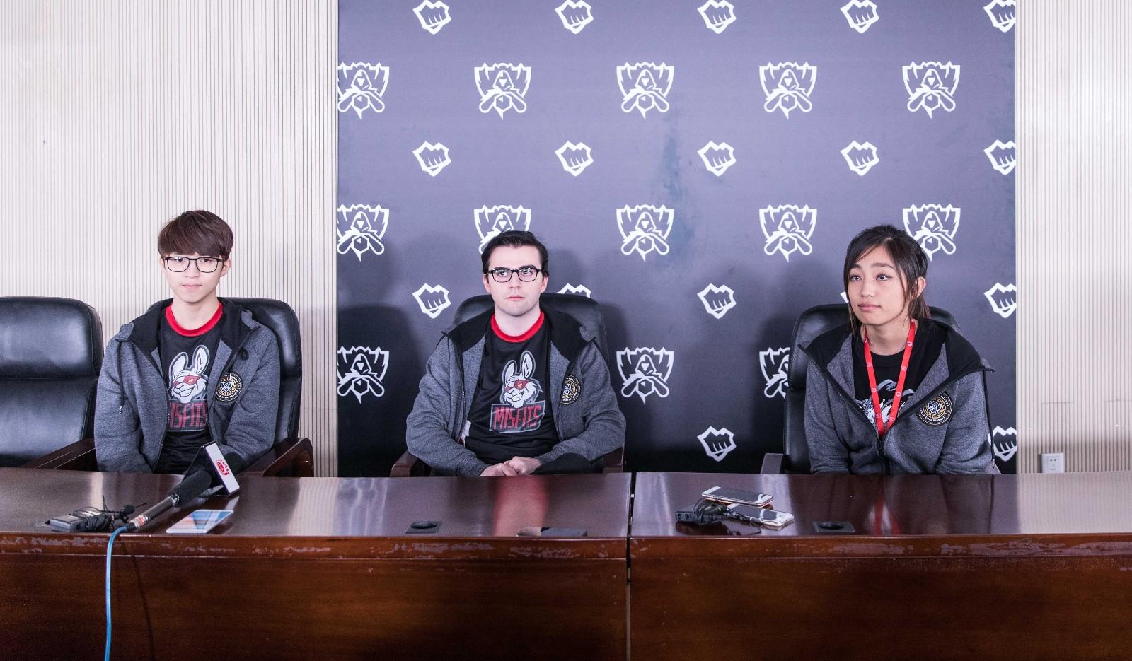 MSF赛后采访:我们非常的感谢闪电狼