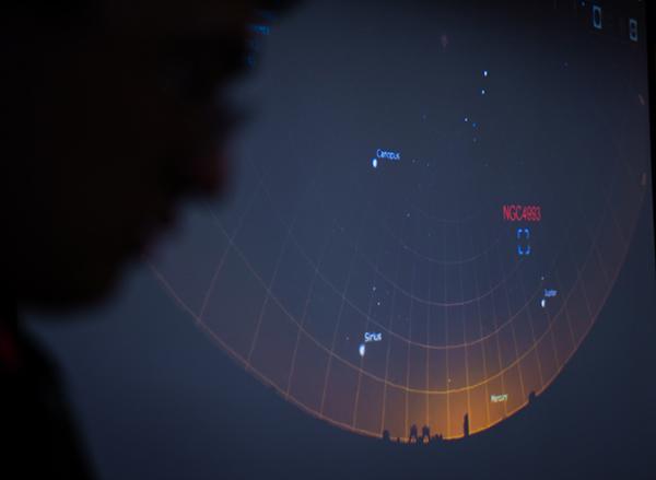 中子星并合会发生啥?一次甩出重300个地球的黄金